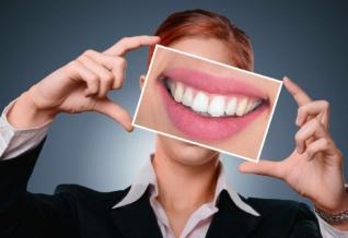 Quelle est la mutuelle qui rembourse le mieux les implants dentaires